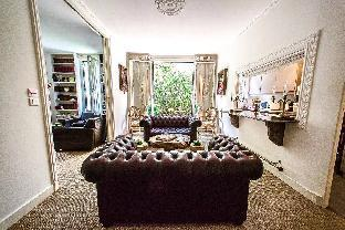 Luxe 80M2 with private garden near Eiffel Tower